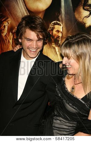 LOS ANGELES - NOVEMBER 28: Emile Hirsch and Catherine Hardwicke at the premiere of