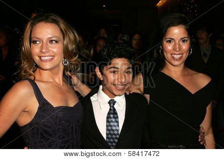 BEVERLY HILLS - NOVEMBER 29: Becki Newton with Mark Indelicato and Ana Ortiz at the