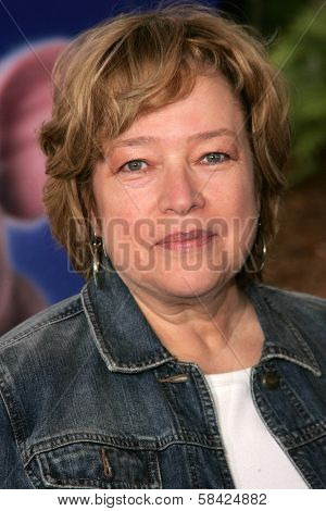 HOLLYWOOD - DECEMBER 10: Kathy Bates at the Los Angeles Premiere of