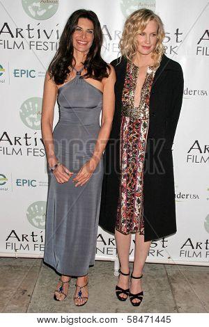 LOS ANGELES - NOVEMBER 12: Hilary Shepard and Daryl Hannah at the 2006 Artivists Awards at Egyptian Theatre November 12, 2006 in Hollywood, CA.