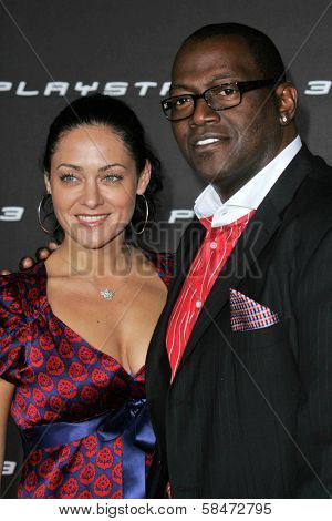 LOS ANGELES - OCTOBER 08: Randy Jackson and wife Erika at the Playstation 3 Launch Party October 08, 2006 in 9900 Wilshire Blvd, Beverly Hills, CA.