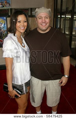 HOLLYWOOD - JULY 30: Steffiana De La Cruz and Kevin James at the World Premiere of