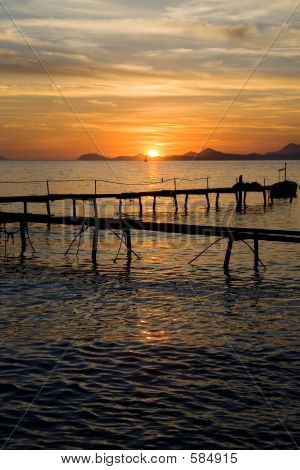 Sonnenuntergang über Pier