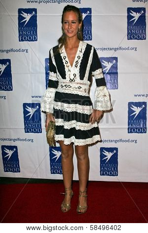 BEVERLY HILLS - NOVEMBER 30: Lady Victoria Hervey at Divine Design 2006 Benefitting Project Angel Food at Beverly Hilton November 30, 2006 in Beverly Hills