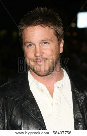 HOLLYWOOD - NOVEMBER 12: Lochlyn Munro at the world premiere of