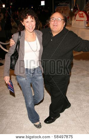 HOLLYWOOD - NOVEMBER 12: Rhea Perlman and Danny DeVito at the world premiere of