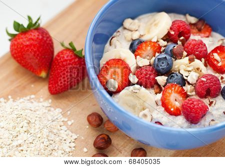 Oatmeal With Fresh Fruit