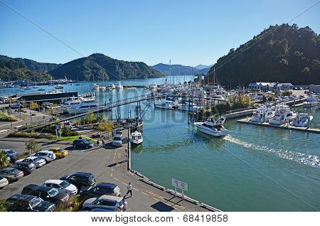 Picton Marina & Tourists On An Autumn Morning.