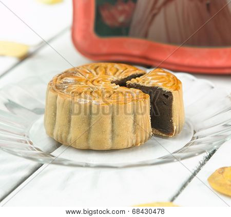 Moon cake the traditional dessert