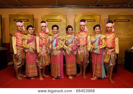 Thai dance on the traditional candle procession festival of Buddha.