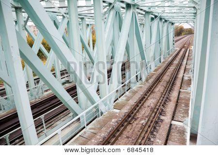 carriles del puente de hierro