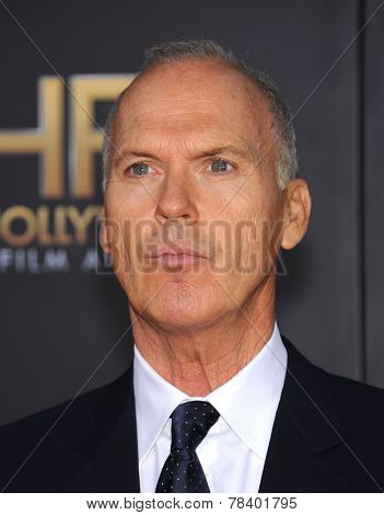 LOS ANGELES - NOV 14:  Michael Keaton arrives to the The Hollywood Film Awards 2014 on November 14, 2014 in Hollywood, CA