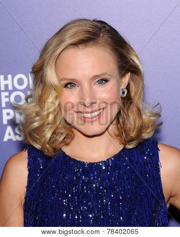 LOS ANGELES - AUG 14:  Kristen Bell arrives to the HFPA Annual Installation Dinner 2014 on August 14, 2014 in Beverly Hills, CA