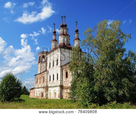 Ruins Of Ancient Orthodox Church In Varnitsy (totma), North Russia