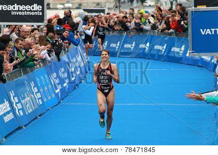 Sarah Groff A Few Yards Before Winning