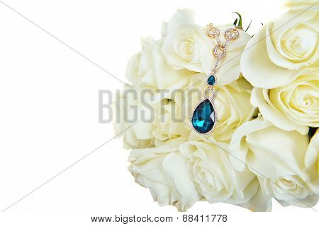Beautiful White Roses  With Pendant