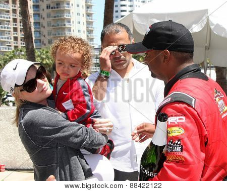 LOS ANGELES - FEB 18:  Alfonso Ribeiro, Family at the Toyota Grand Prix Pro/Celeb Race at the Toyota Grand Prix Racecourse on April 18, 2015 in Long Beach, CA