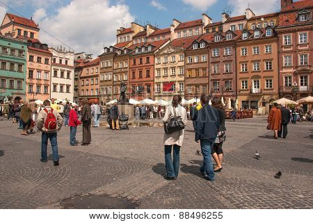 Warsaw-square Of The Old Town