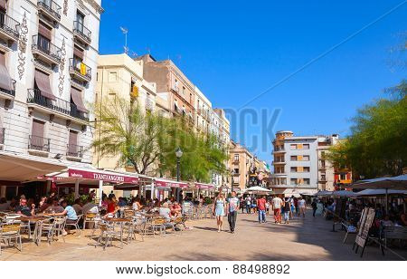 Street View With Tourists, Tarragona