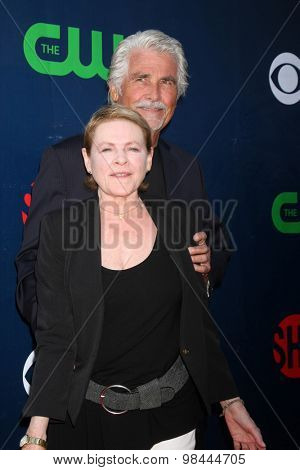 LOS ANGELES - AUG 10:  Dianne Wiest, James Brolin at the CBS TCA Summer 2015 Party at the Pacific Design Center on August 10, 2015 in West Hollywood, CA
