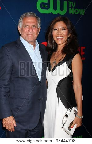 LOS ANGELES - AUG 10:  Les Moonves, Julie Chen at the CBS TCA Summer 2015 Party at the Pacific Design Center on August 10, 2015 in West Hollywood, CA