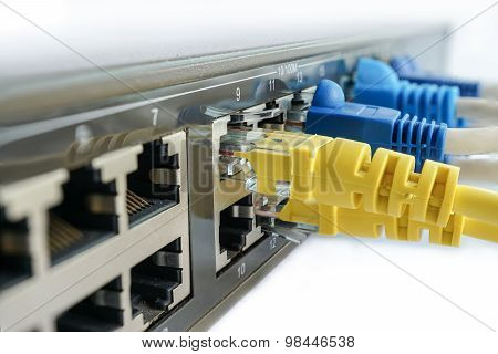 Yellow Network Cable Connect To Switching Hub