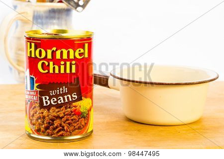 Canned Chili With Beans And Saucepan
