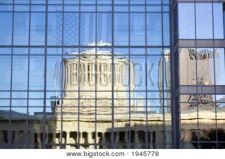 Ohio Statehouse reflexão