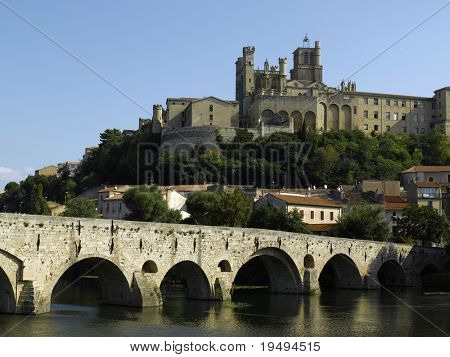 France, Beziers: st nazaire cathedral old bridge river orb