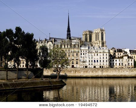France, Paris: Ile Saint Louis and Ile de la cite