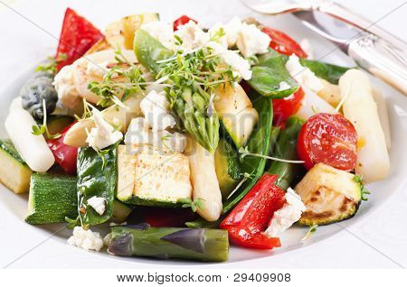 WArm Salad with asparagus and grilled vegetable