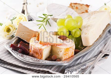 Cheeseplate with different types