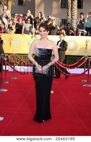 LOS ANGELES - JAN 29:  Tina Fey arrives at the 18th Annual Screen Actors Guild Awards at Shrine Auditorium on January 29, 2012 in Los Angeles, CA