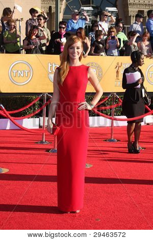 LOS ANGELES - JAN 29:  Ahna O'Reilly arrives at the 18th Annual Screen Actors Guild Awards at Shrine Auditorium on January 29, 2012 in Los Angeles, CA