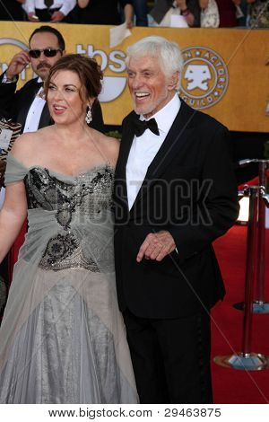 LOS ANGELES - JAN 29:  Dick Van Dyke arrives at the 18th Annual Screen Actors Guild Awards at Shrine Auditorium on January 29, 2012 in Los Angeles, CA