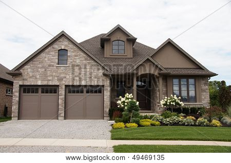 Stucco Stone House Pretty Garden 2
