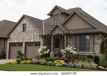 Stucco Stone House Pretty Garden