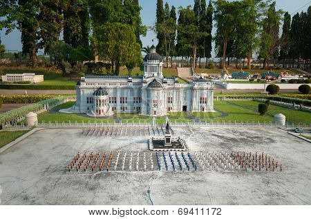 The Marble Throne Hall In Mini Siam Park