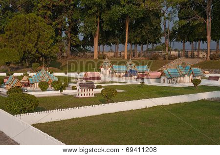 Wat Phra Srisunpetch In Mini Siam Park