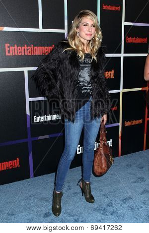 SAN DIEGO - JUL 26:  Sarah Carter at the Emtertainment Weekly Party - Comic-Con International 2014 at the Float at Hard Rock Hotel San Diego on July 26, 2014 in San Diego, CA