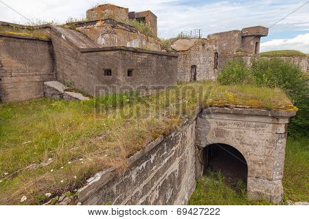 Old Concrete Bunker From Wwii Period, Totleben Fort Island In Russia