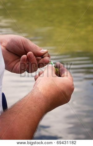 Tying Fishing Lure