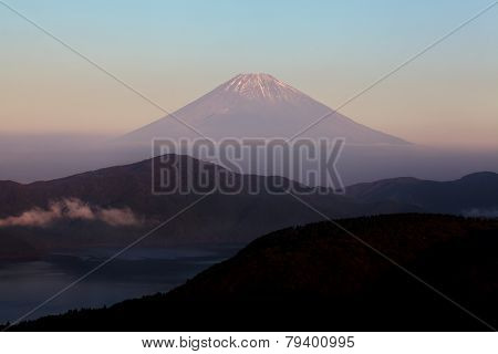 Lake ashi and Mountain Fuji at Hakone, Japan