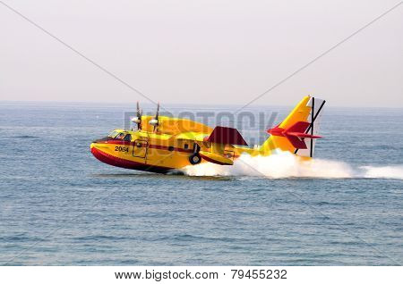 Bombardier CL415 Fire Bomber.