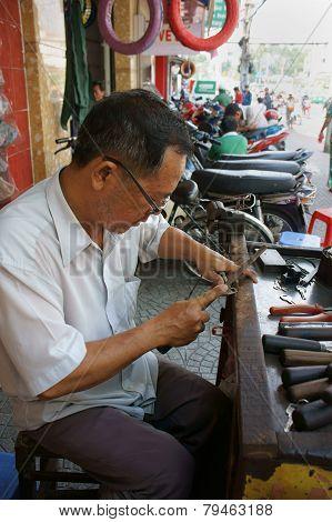 Asian Man Repair Key