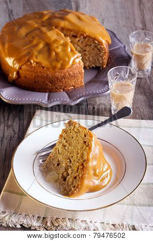 Cake With Caramel Frosting
