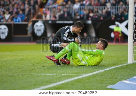 VALENCIA, SPAIN - JANUARY 4: Ronaldo (L) and Diego Alves during Spanish League match between Valencia CF and Real Madrid at Mestalla Stadium on January 4, 2015 in Valencia, Spain