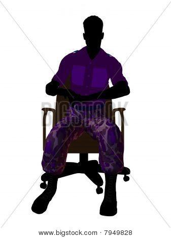 Soldado masculino sentado em uma silhueta de ilustração de cadeira de escritório