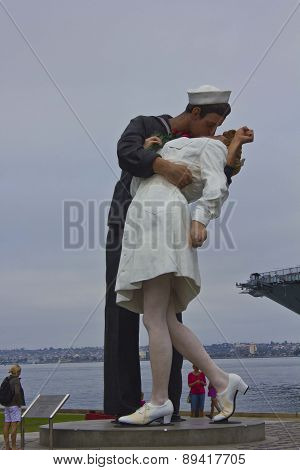 Unconditional Surrender Sculpture In San Diego