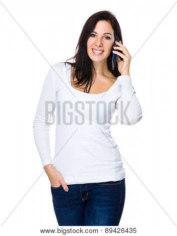 Brunette woman talk to cellphone